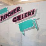 Kunst und Wellpappe in der Speicher Gallerie